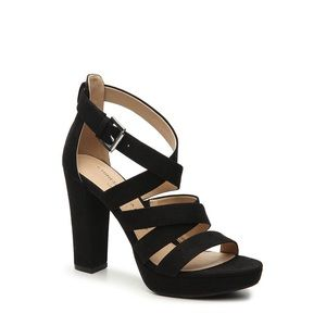 New Chinese Laundry Black Z-Amber Strappy Shoe. 11